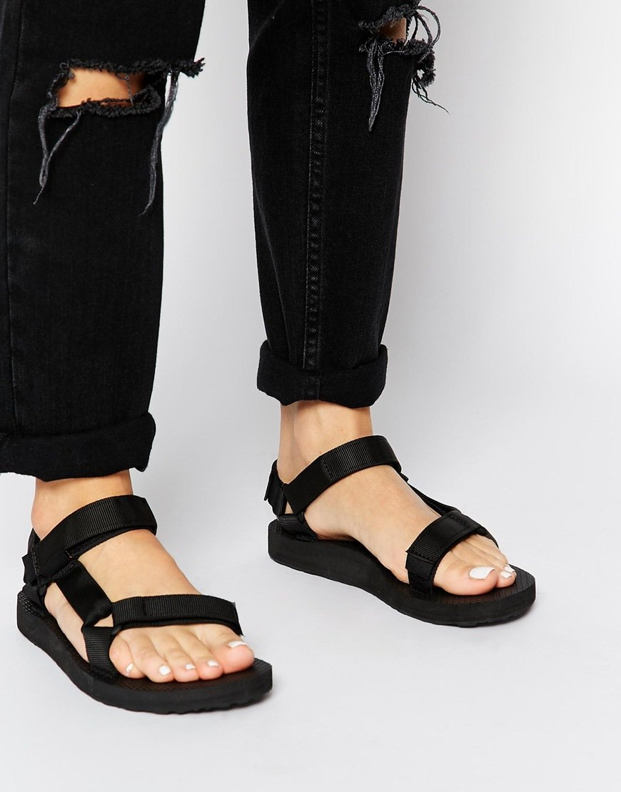 d7dbd122e4ec2 These £35 Walking Sandals Are A Massive Fashion Hit... Apparently ...