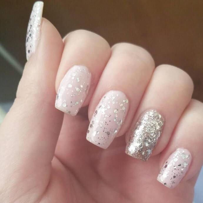 glitter feature nail